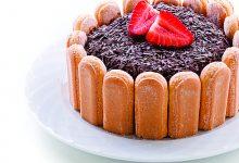 Charlote de chocolate com morangos-receitarosa-mileniostadium