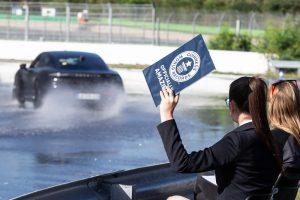 Porsche Taycan bate recorde-holanda-mileniostaium