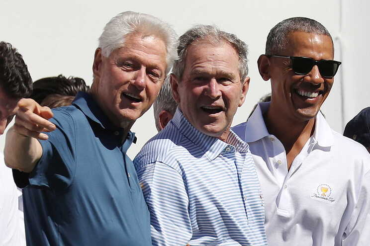 Obama, Bush e Clinton admitem vacinar-se na televisão para encorajar americanos