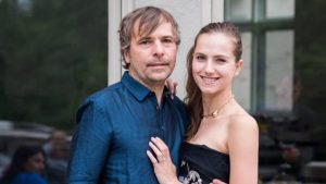 Former casino CEO, actress identified as couple who flew to Yukon, got COVID-19 vaccines-Milenio Stadium-Ontario