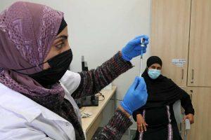 Israel vacina palestinianos com autorização de trabalho-israel-ileniostadium