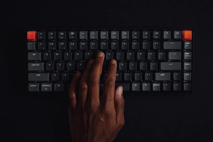 Cientistas inventam sistema que permite escrever com o pensamento