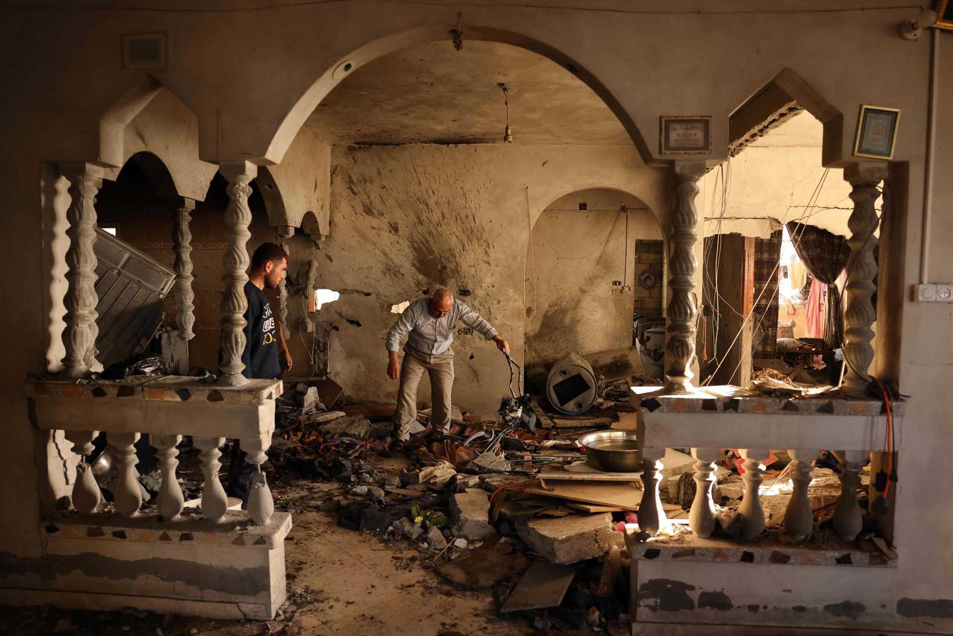 Números de palestinianos mortos sobe para 227 em Gaza