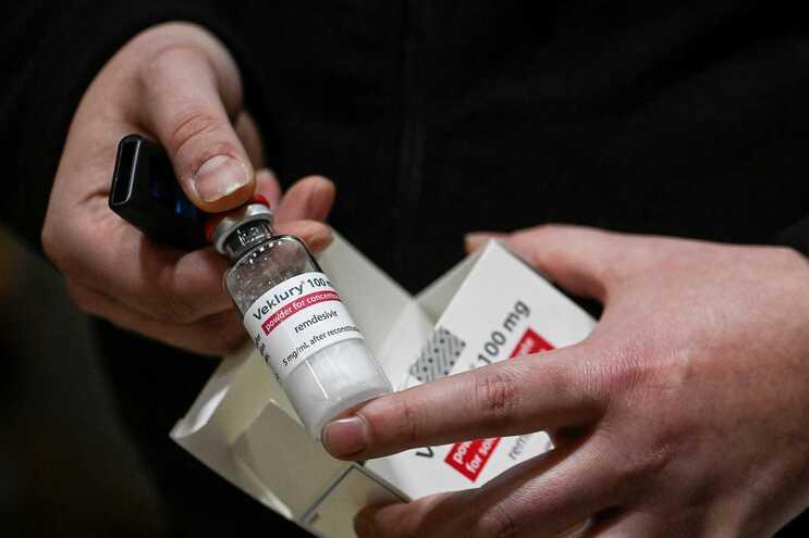 Portugal doa 5.500 frascos do medicamento Remdesivir à Índia