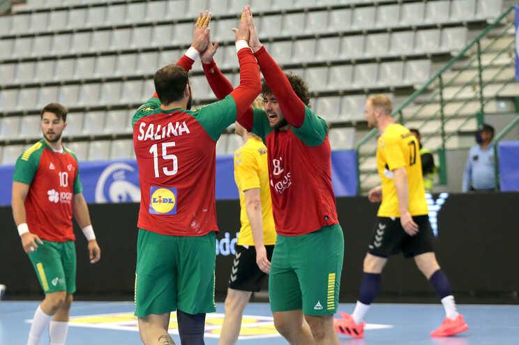 Portugal vence Lituânia e confirma liderança do grupo