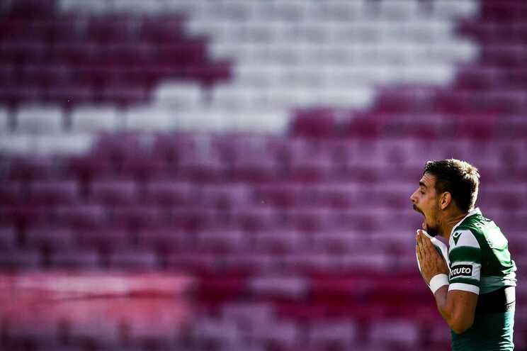 Sebastián Coates eleito melhor jogador do mês de abril da Liga