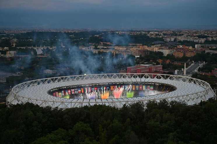Bomba-artesanal-perto-do-estadio-em-Roma-desativada-pela-policia-milenio-stadium-desporto