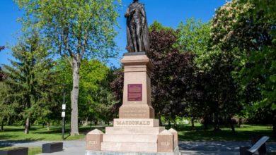 Kingston to move Sir John A. Macdonald statue from City Park-Milenio Stadium-Ontario