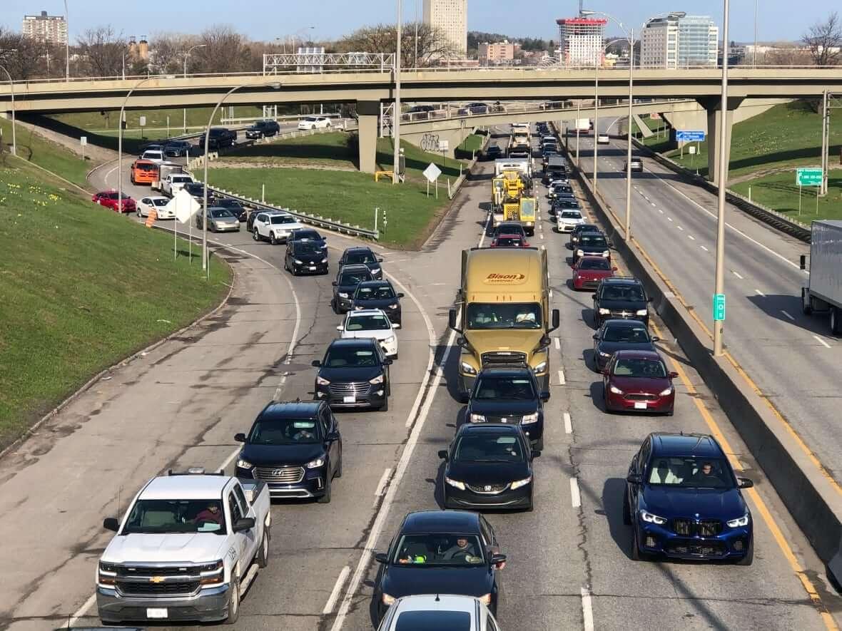Traffic in Gatineau-Milenio Stadium-Ontario