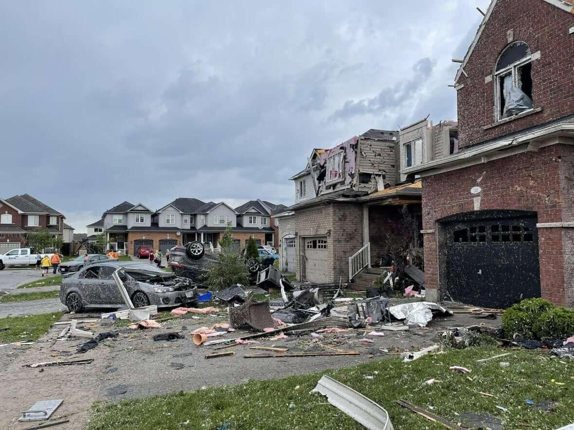 Barrie-Tornado-Milenio Stadium-Ontario