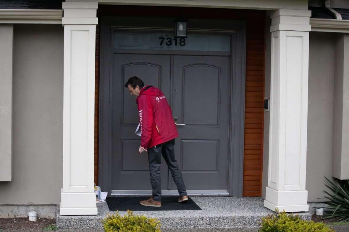 CBC journalist visits Haoran Xue's house-Milenio Stadium-Canada