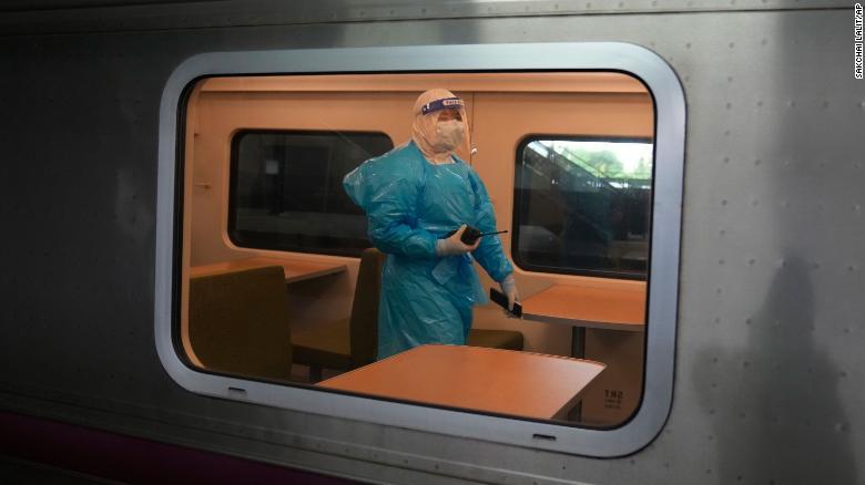 Tailândia adapta 15 carruagens de comboio para tratar doentes com covid-19 - milenio stadium - mundo