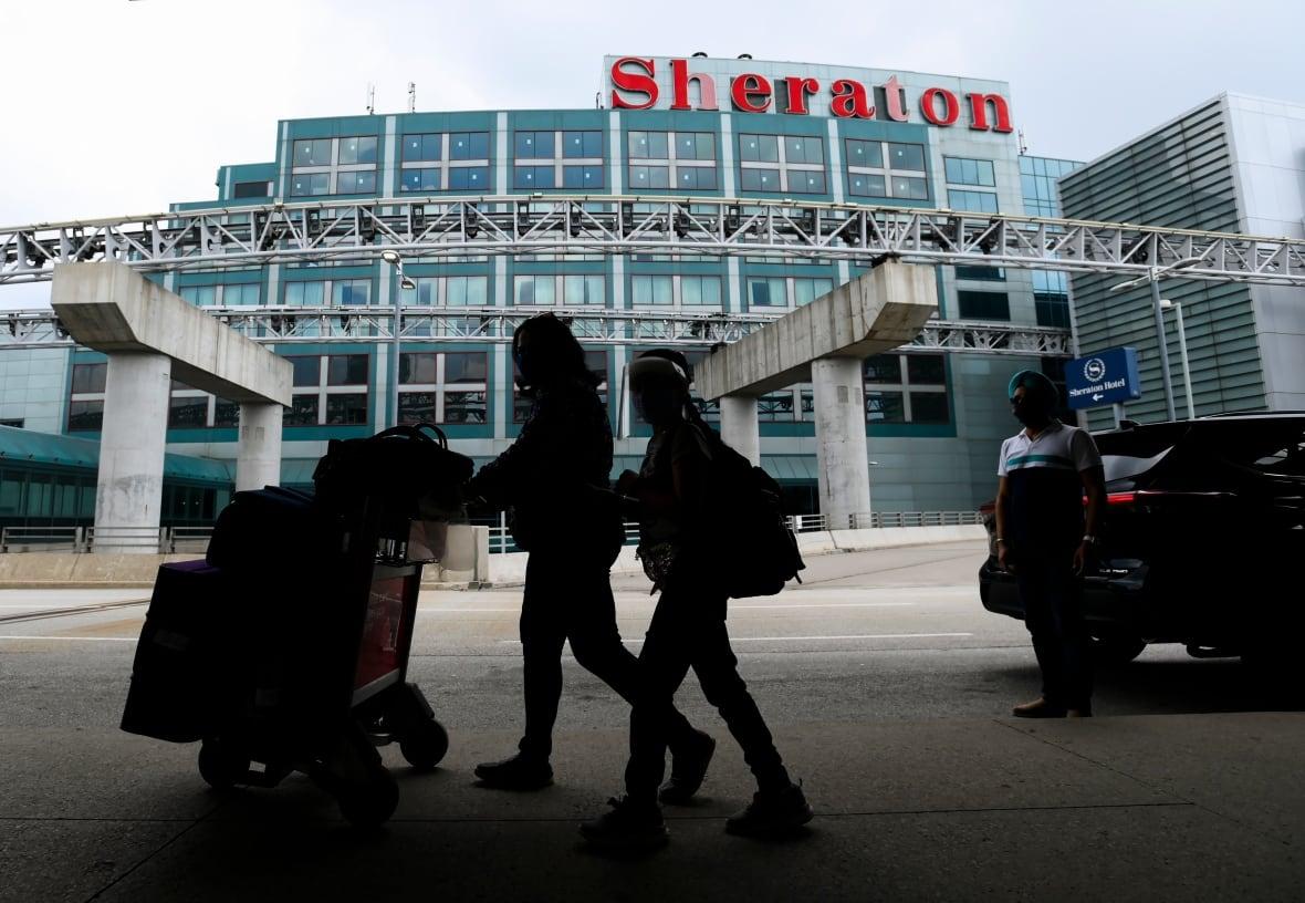 Toronto Pearson Airport-Milenio Stadium-Canada