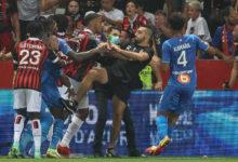 Um-detido-e-bancada-fechada-pelo-incidente-no-jogo-entre-Nice-e-Marselha-milenio-stadium-desporto