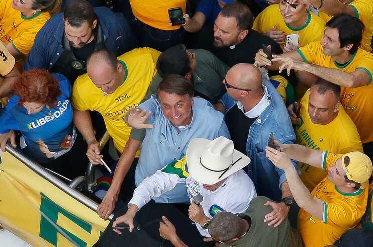"""Bolsonaro diz que """"não mais cumprirá"""" decisões do Supremo e que """"nunca será preso"""" - milenio stadium - brasil"""