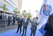 Dragao-hasteia-a-bandeira-em-dia-de-aniversario-milenio-stadium-desporto