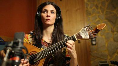 A guitarra portuguesa é uma bandeira-capa-mileniostadium