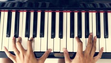 milenios stadium - Woman playing on a piano - Mozart - Saúde e bam estar